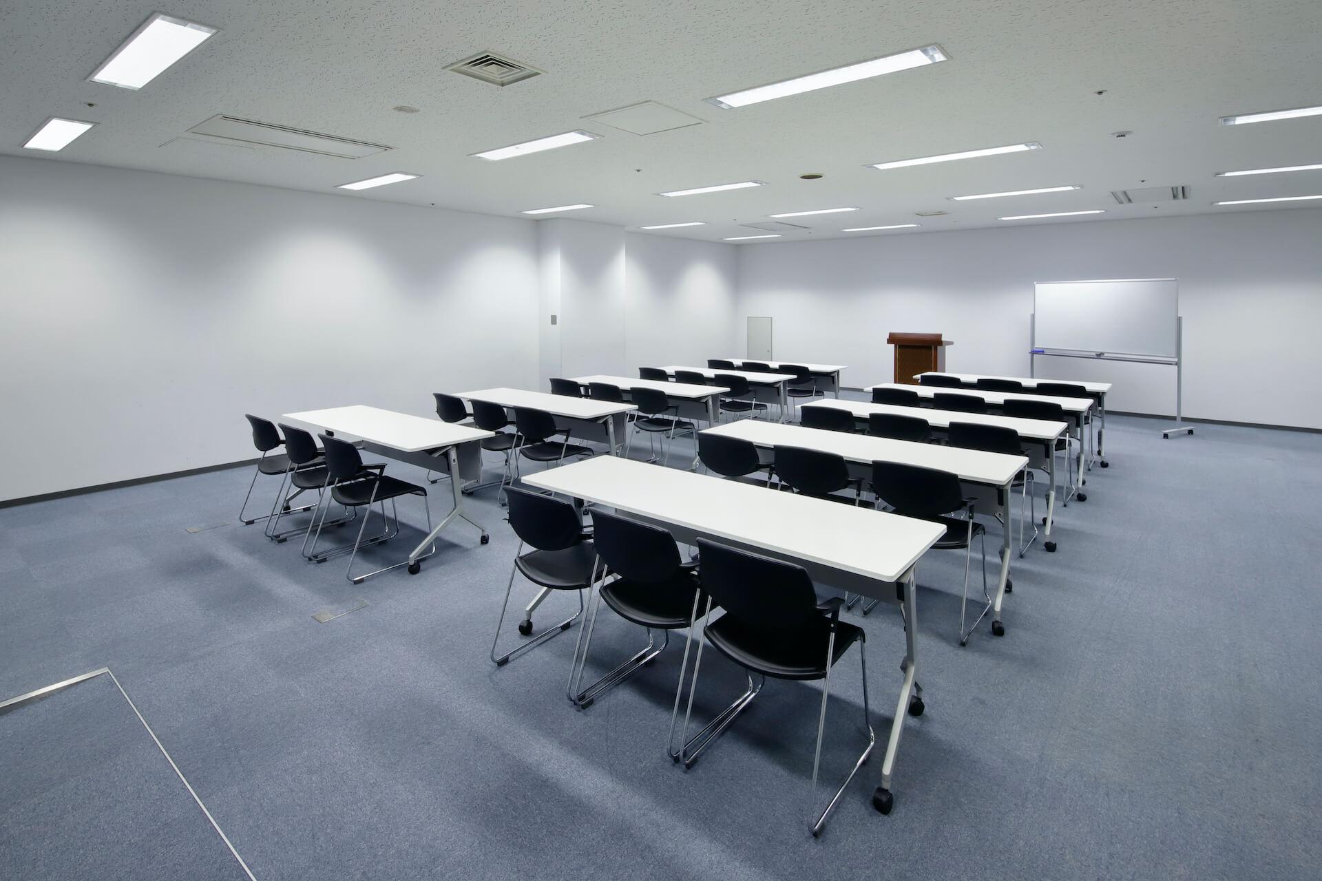 AIMビル 会議室